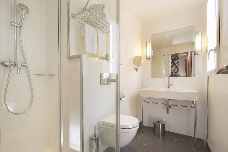 Hôtel-Gustave-Paris-Tour-Eiffel-Salle-de-Bain-Bathroom