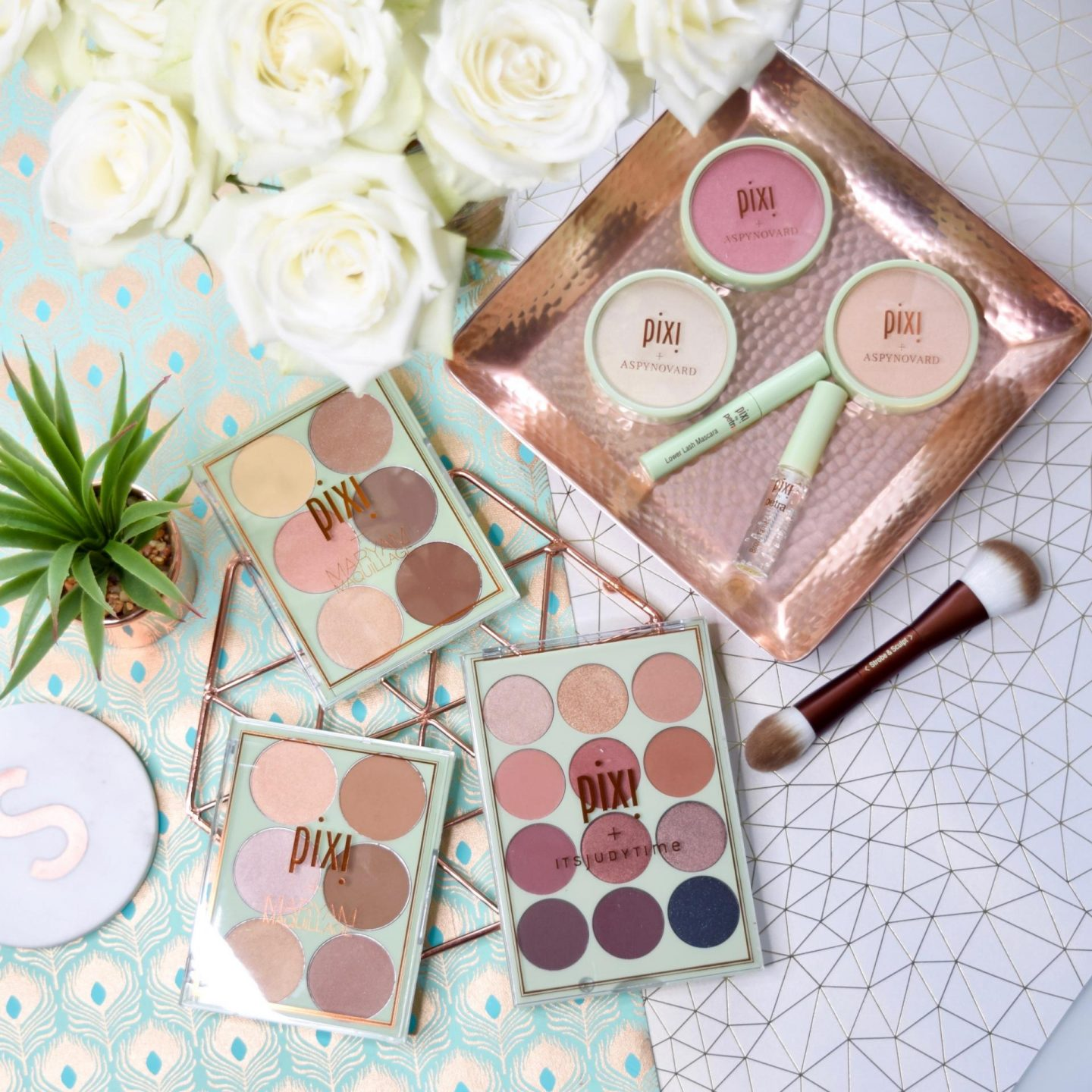 Pixi + Aspyn Ovard Collaboration | Glow-y Powder & Eye Accents: Review and Swatches
